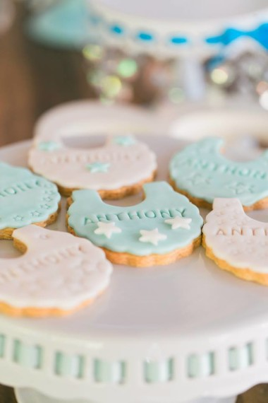 baby-shower-frosted-cookies