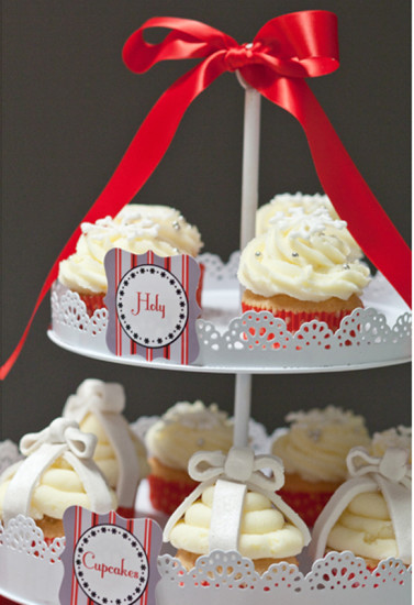 cupcakes in red ribbon and personalized labels