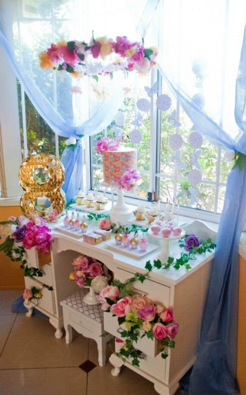 gold-pink-butterflies-flowers-celebration-main-tablescape-idea