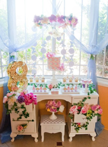 gold-pink-butterflies-flowers-celebration-main-tablescape-ideas