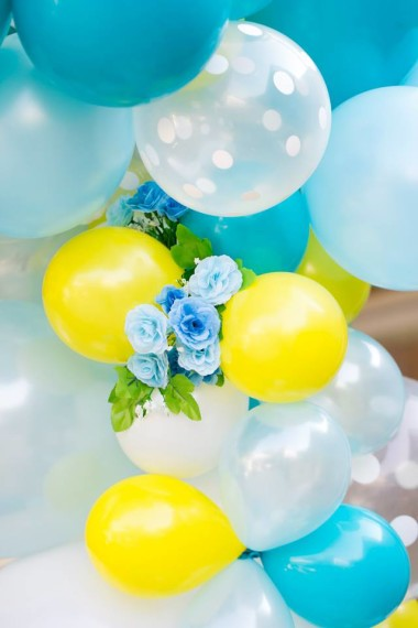 gorgeous-baby-boy-shower-balloon-decorations-yellow-blue