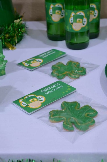 StPatricks-Baby-Shower-Little-Shamrock-is-on-the-way-cookies