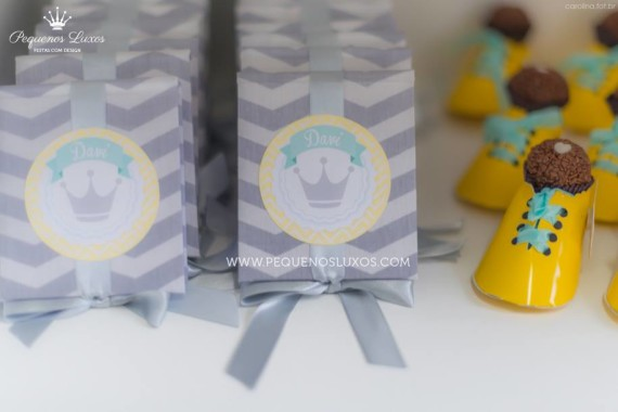 little-prince-crown-baby-shower-box-of-favors
