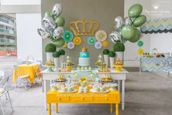 little-prince-crown-baby-shower-dessert-table-inspirations