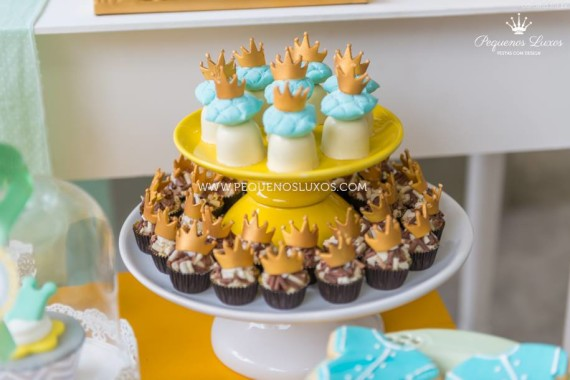 little-prince-crown-baby-shower-snacks