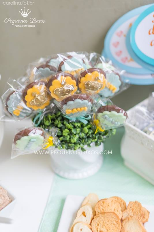 little-prince-crown-baby-shower-sugar-cookies