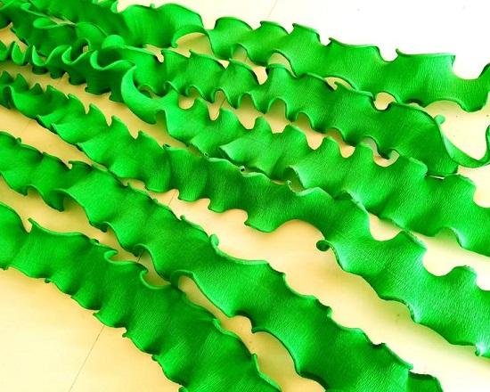 crepe Paper strands seaweed Streamers Backdrop