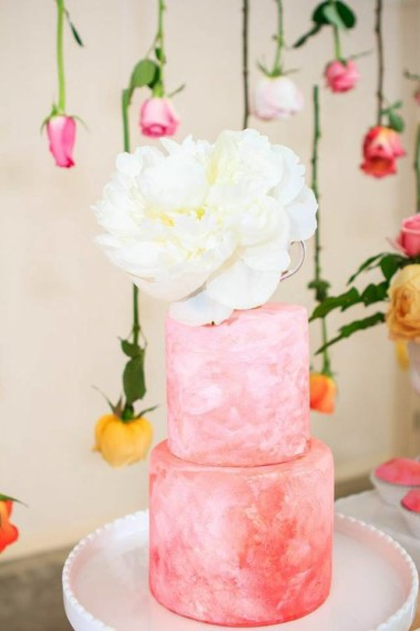 mothers-day-watercolor-roses-cake-centerpieces