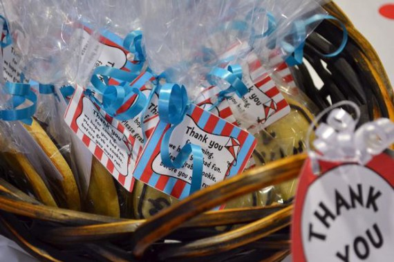 thing-1-thing-2-twins-baby-shower-cookie-favors