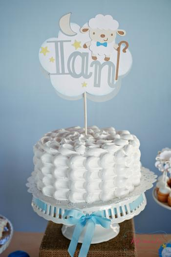 white-frosting-cake-the-lord-is-my-shepherd-baby-shower