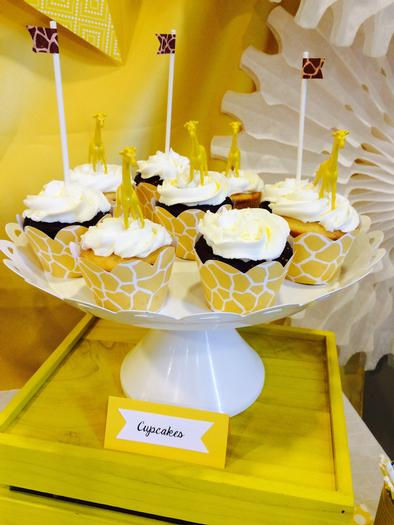 Bright Yellow Giraffe Baby Shower cupcakes