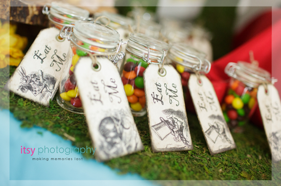 alice-in-wonderland-mad-hatter-tea-party-favors