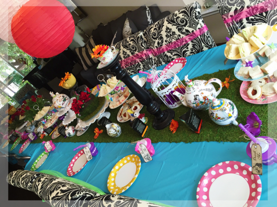 alice-in-wonderland-mad-hatter-tea-party-table