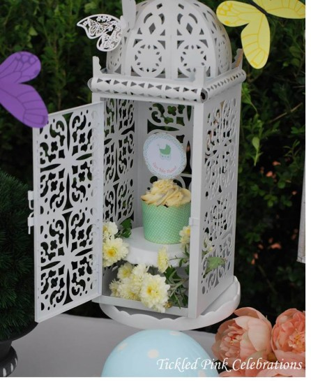 Enchanted Garden Baby Shower decoration ideas, cupcake in a cage