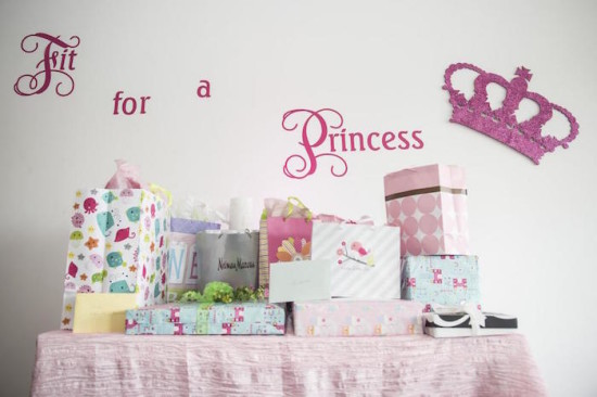 fit for a princess gift table