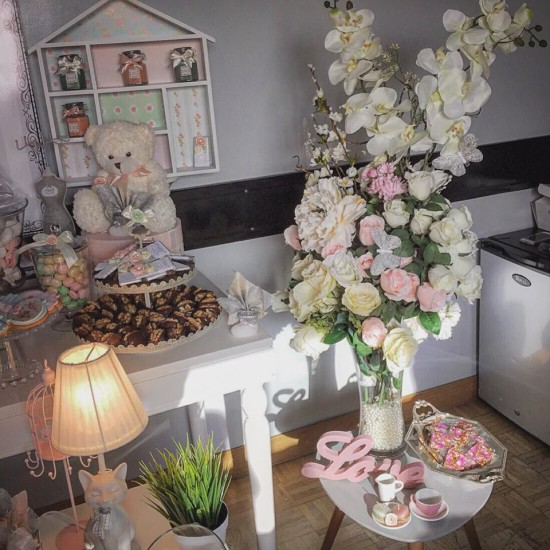 tutu baby shower, ballerina baby shower ideas, florals