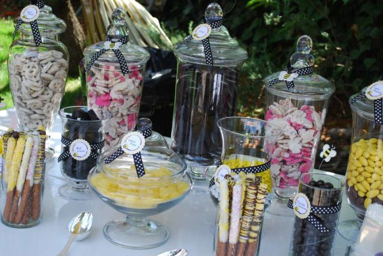 cute as can bee candy buffet