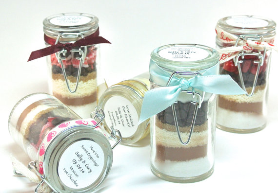 hot-chocolate-favor-mini-snap-top-jars
