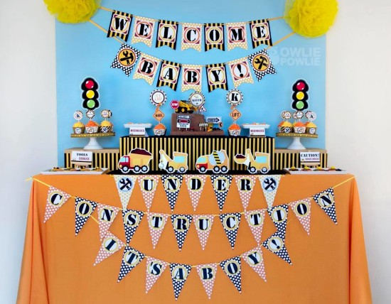 baby-under-construction-baby-shower main table