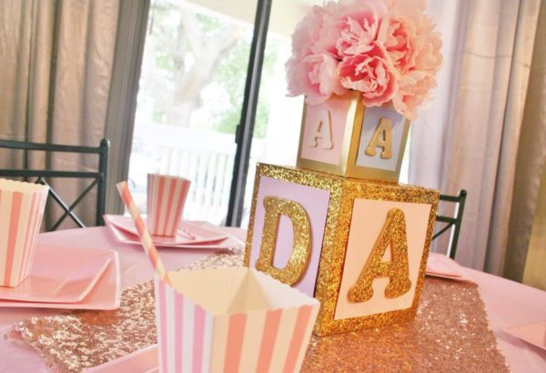 girl-baby-block-box-in-pink-and-gold-centerpiece