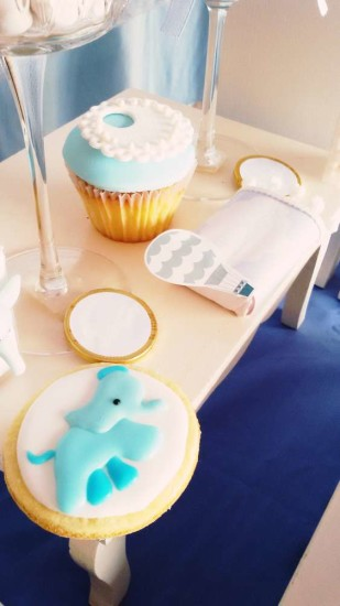 little-elephant-baby-shower-cookies-hot-air-balloon