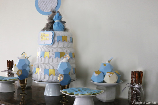 lovely-elephant-themed-baby-shower diaper cake