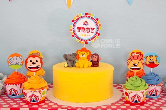 circus-carnival-baby-shower cake