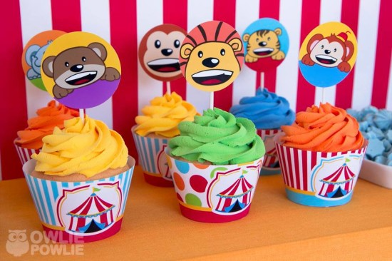 circus-carnival-baby-shower cupcakes