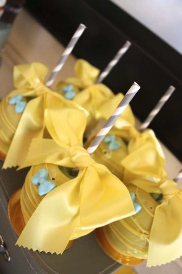 litttle-man-baby-shower-cakepops