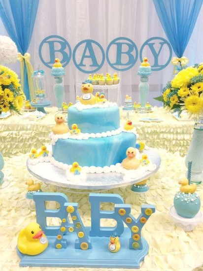 rubber-ducky-baby-shower cake adorable