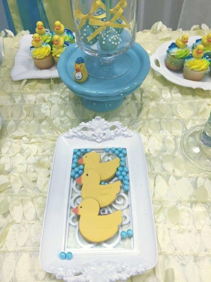 rubber-ducky-baby-shower cookies