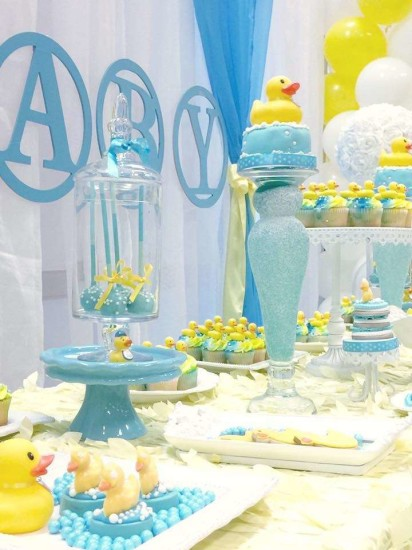 rubber-ducky-baby-shower dessert tablescape