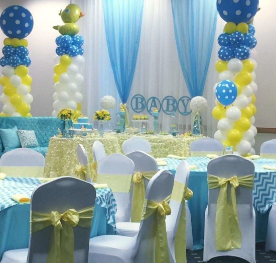 rubber-ducky-baby-shower guest tables