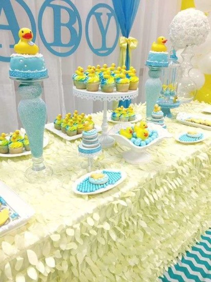 rubber-ducky-baby-shower table clothes amazing