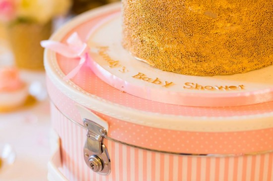 Golden-Carrousel-Babyshower-Cake-Stand-Hat-Box