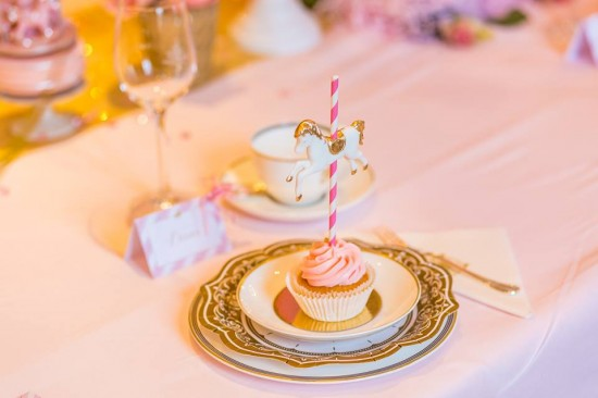 Golden-Carrousel-Babyshower-Cupcakes