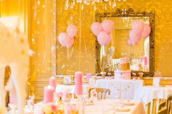 Golden-Carrousel-Babyshower-Dessert-Table
