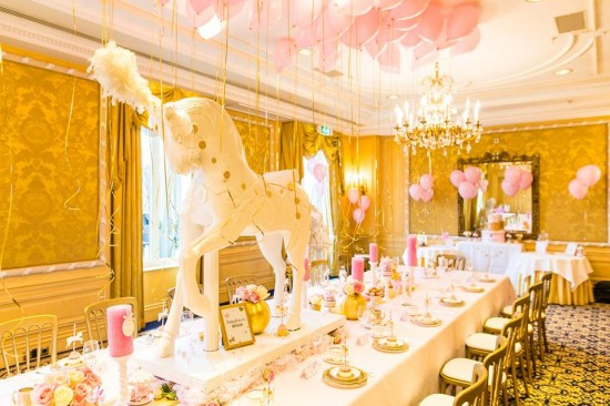 Golden-Carrousel-Babyshower-Guest-Seating