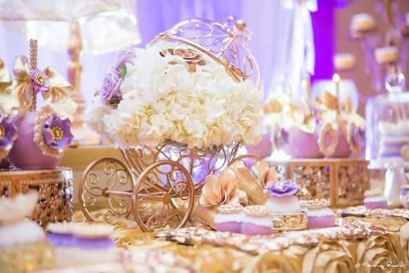 Golden-Enchanting-Princess-Baby-Shower-Carriage