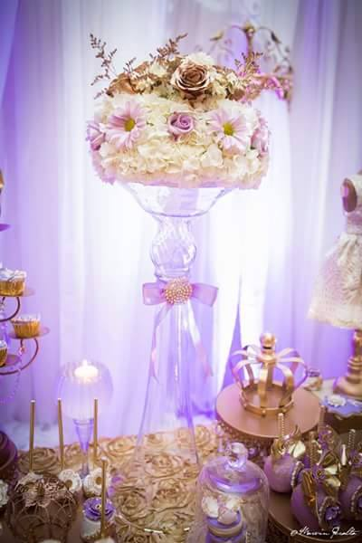 Golden-Enchanting-Princess-Baby-Shower-Flowers