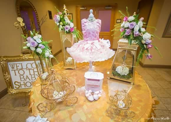 Golden-Enchanting-Princess-Baby-Shower-Welcome-Table