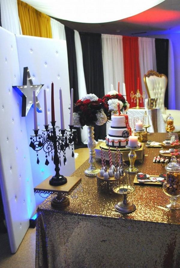 Chic-Hollywood-Red-Carpet-Baby-Shower-Candles