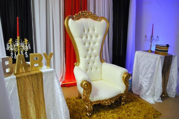 Chic-Hollywood-Red-Carpet-Baby-Shower-Throne