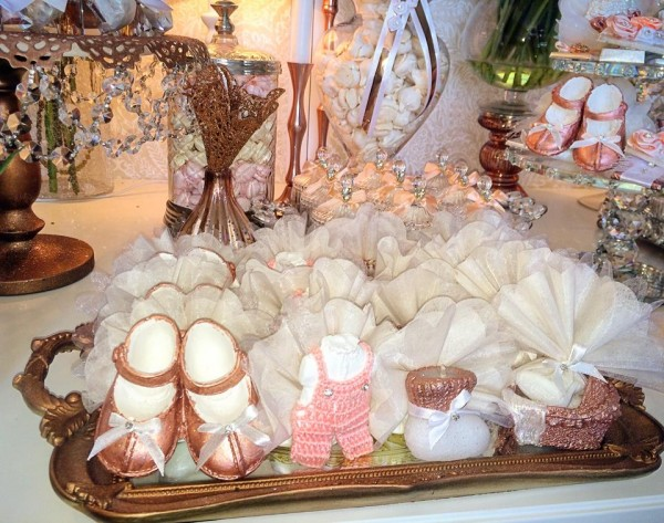Floral-Copper-Baby-Shower-Guest-Gifts