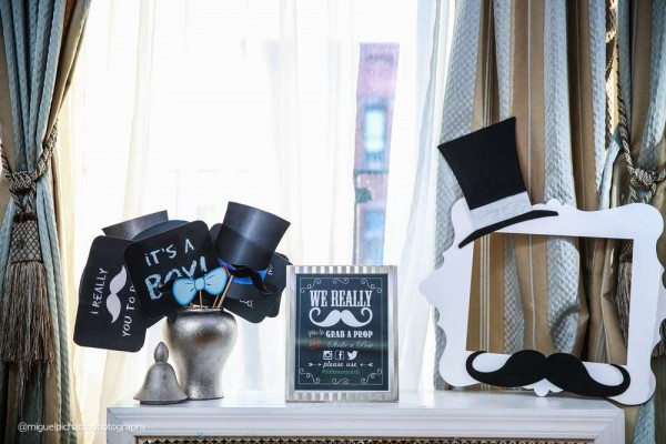 Sophisticated-Mustaches-And-Bows-Baby-Shower-Photo-Table