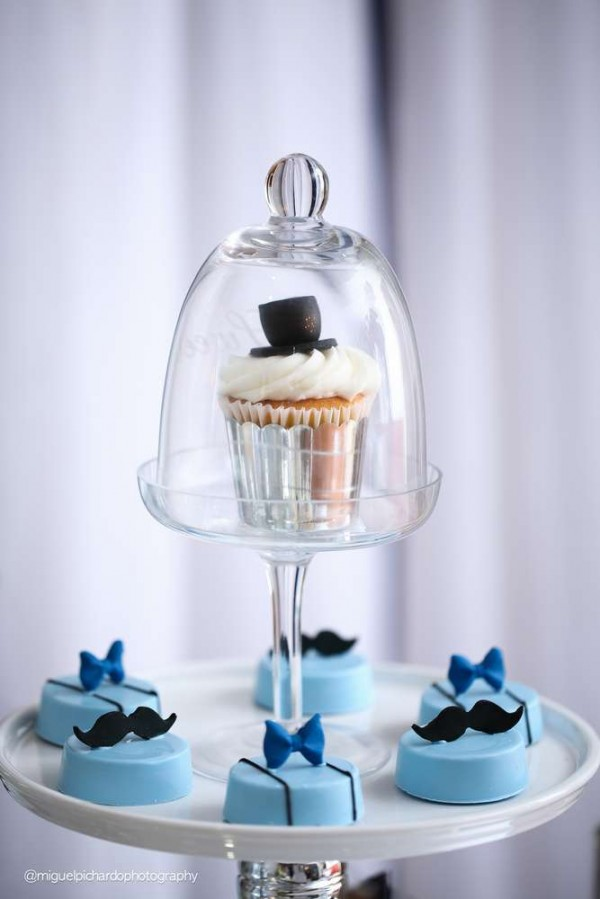 Sophisticated-Mustaches-And-Bows-Baby-Shower-Treats