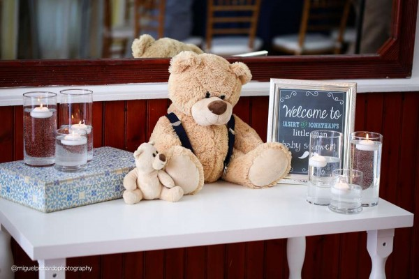 Sophisticated-Mustaches-And-Bows-Baby-Shower-Welcome-Table