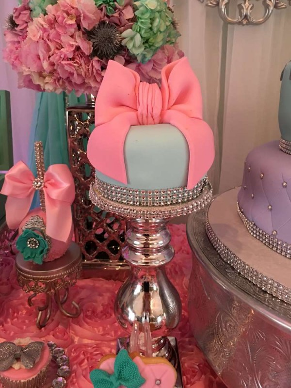 Teal-And-Pink-Modern-Chic-Baby-Shower-Cake