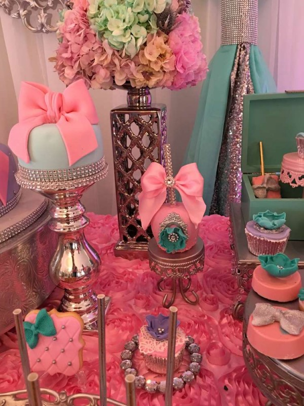 Teal-And-Pink-Modern-Chic-Baby-Shower-Covered-Apple