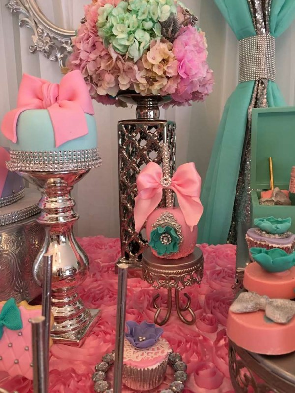 Teal-And-Pink-Modern-Chic-Baby-Shower-Decorations